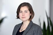 Dr. des. Nadja Douglas